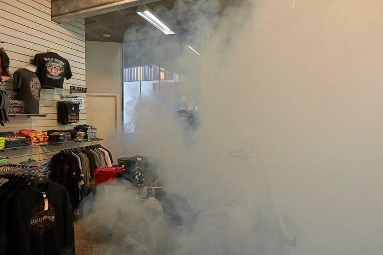 Le brouillard de sécurité protège les couteuses vestes Harley-Davidson